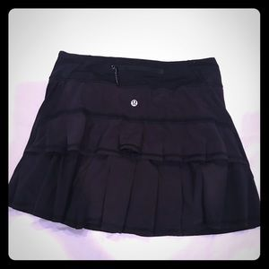 Lululemon Run Black Pace Setter Skirt Sz 4